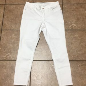 Old navy white jeggings NEW!! Size 10